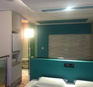suite-mast-1
